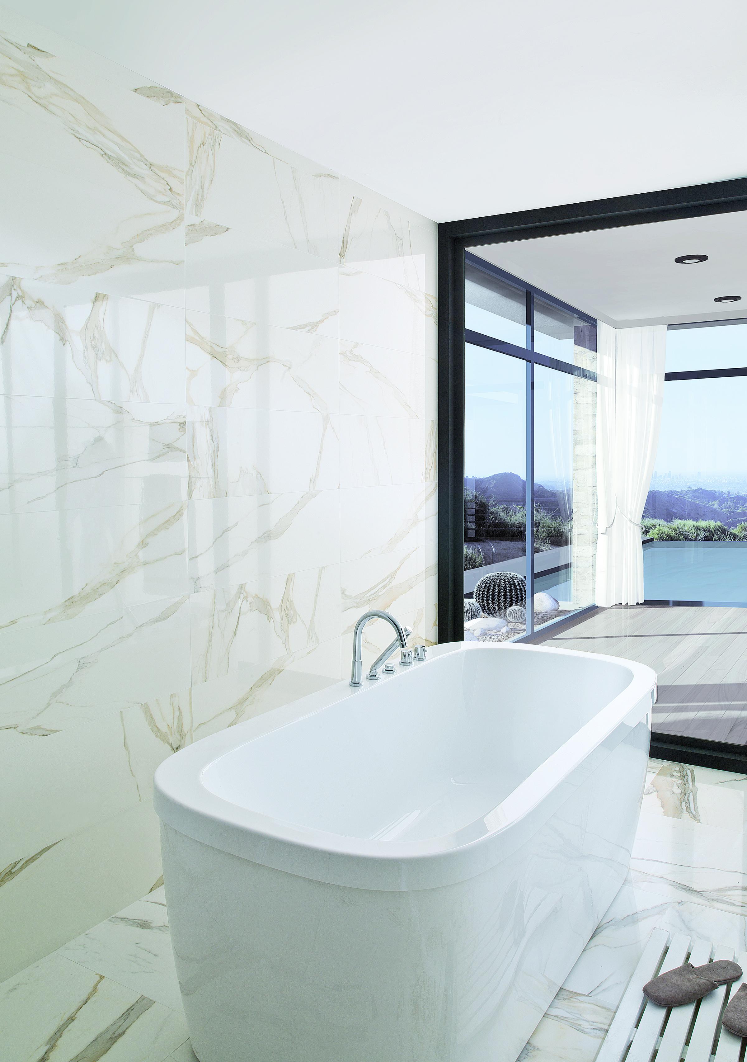Tile of spain recreates marble - Salle de bain exterieur ...