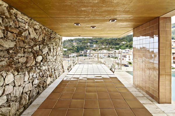 Tile of Spain Award honorable mention: Casa Andamio by bosch.capdeferro arquitectures. Photo: José Hevia.